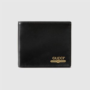 vi-da-gucci-with-gucci-logo