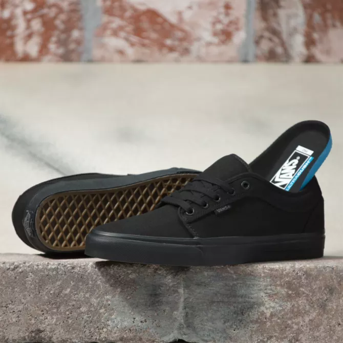 giay-sneakers-vans-chukka-low-blackout