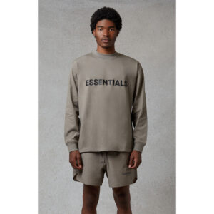 ao-sweater-fear-of-god-essentials-oversized-fit-13